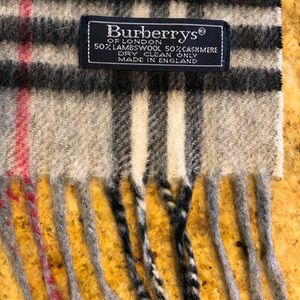 Burberry Scarf - Plaid cashmere & wool